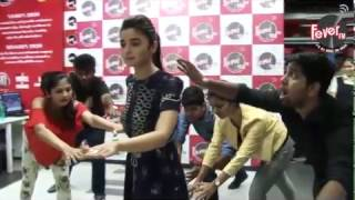 Alia Bhatt Mannequin Challenge!