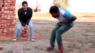 Whatsaap Funny Video - टट्टे फोड़ दिए | Comedy Clip - Must Watch