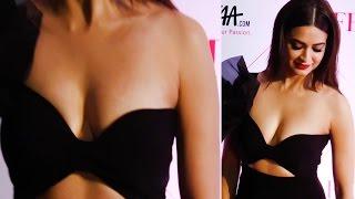 Sexy Kriti Kharbanda Wearing Nothing Inside Her Top