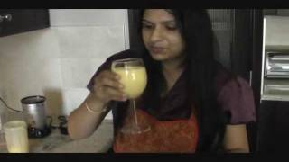 How to make Mango Lassi : Indian Mango Drink