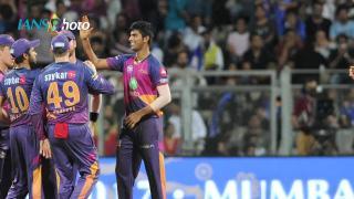 Pune beat Mumbai to enter IPL final