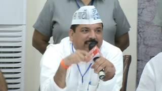 Aap Leader Sanjay Singh Addresses Farmer Representatives at National Farmers Conclave