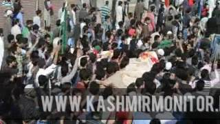 Thousands attend funeral of two LeT militants at Kakpora Pulwama