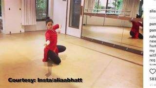 Graceful Alia Bhatt enjoys MONSOON in Classical way