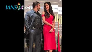 IIFA 2017: Salman Khan's Dabangg moves