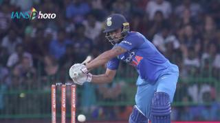 Kohli, Rohit hammers Sri Lanka, India wins 4th ODI