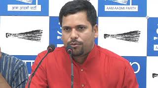 Aap MLA Sanjeev Jha Briefs Media on the Corruption of PWD Secretary