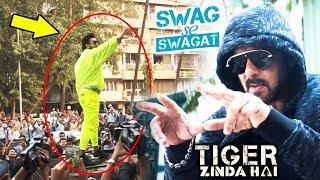 Salman's Swag Se Swagat BEATS Yo Yo Honey Singh's RAP, Ranveer Singh MOBBED By Fans - Padmavati