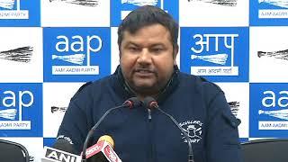 Aap Leader Deepak Bajpai briefs media on Fund Raised issue