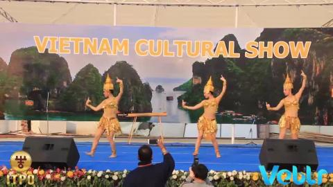 Vietnam Cultural Show Celebration - Performance 1 at IITF 2017