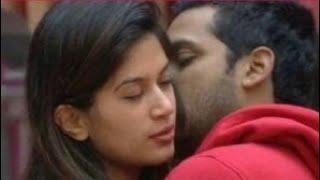 Bandagi Kalra Kiss Puneesh Sharma in The Bathroom - Bigg Boss 11 - Uncut Scene