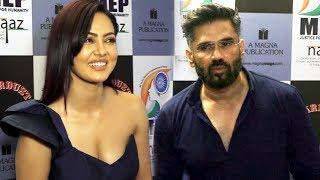 Suniel Shetty & Sana Khan At Women Achievers Of India Awards 2017