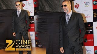 Akshay Kumar At Zee Cine Awards 2018 Red Carpet | Akshay Kumar's New Look