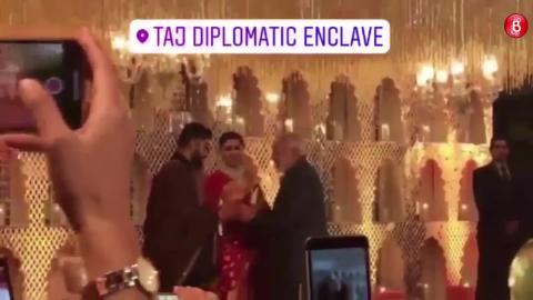 First Video of Pm Narendra Modi with Virat Anushka at Delhi reception