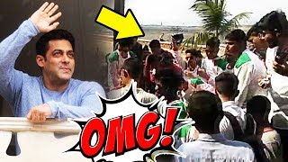 Fans Waiting Outside Galaxy Apartment For Wishing Salman Khan | Salman Khan 52nd Birthday