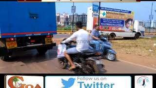 Mobile Hoarding in Mapusa Creating Obstruction To The Motorists