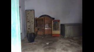 ग्राम प्रधान ने सरकारी स्कूल में घर का सामान रख किया अवैध कब्जा