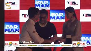 Sonam Kapoor Distributed Sanitary Pads To School Girls To Promote Akshay Kumar's Padman
