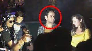 (Inside Video) Arshi Khan's Bigg Boss 11 Party | Vikas Gupta, Priyank Sharma, Akash Dadlani
