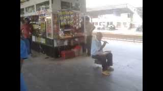 Awesome Flute played by a blind man at Railway Station Mumbai