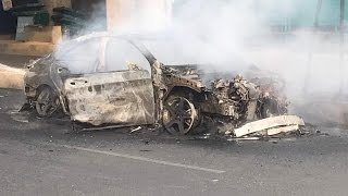 Mercedes car catches fire in South Delhi | कैसे जल कर ख़ाक हुई नयी मर्सडीज़ कार  ?