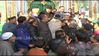Dr Farooq visits Khanqah, takes stock of damages