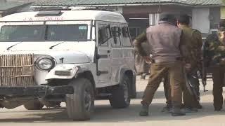 Two policemen injured in accidental firing in Kashmir