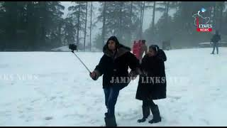 Patnitop Experiences Its First Snowfall Of The Season