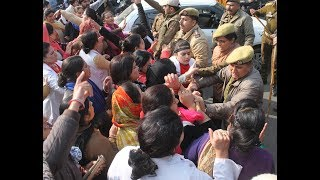 Jammu Police foils NHM employees' 'Secretariat Chalo' march, 5 injured in lathi-charge