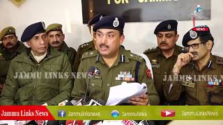 Jammu Police nabs cross border narcotic smugglers with heroin, solves burglary