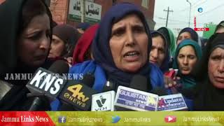 Anganwari, Asha workers stage protest in Kashmir, seek regularization