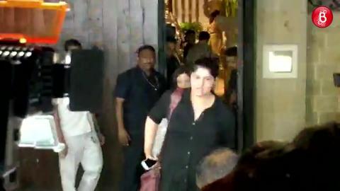 Watch: Anshula Kapoor Head  To Sridevi's Residence To Be Janhvi, Khushi's Side