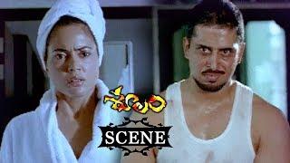 Sameera Reddy Meets Kelly Dorje About Sampath Kumar Brother - Soolam (Aasal) Telugu Movie Scenes