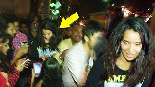 Shraddha Kapoor MOBBED By Her CRAZY FANS For Clicking SELFIES After Dinner With Family