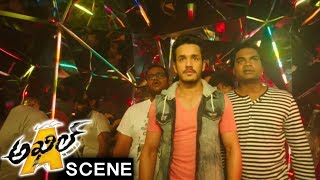 Akhil Breaks Sayesha And Vennela Kishore Marriage - Comedy Scene - Akhil Movie Scenes