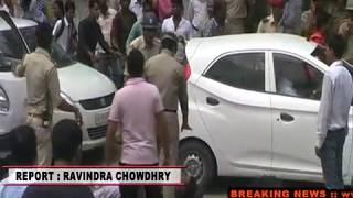 CM योगी के शहर में शिक्षामित्रों पर हुआ लाठीचार्ज