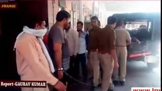 झाँसी: एसएसपी के निर्देशन पर 25-25 हजार के 2 इनामी बदमाश गिरफ्तार