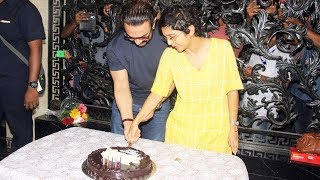 Aamir Khan Cutting Birthday Cake With Media - 53rd Birthday Celebration