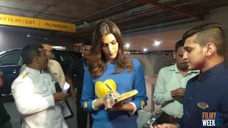 Kriti Senon gives autograph to fan!! UNCUT!!