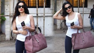 Milky White Ameesha Patel Spotted At Kromkay Salon In Juhu
