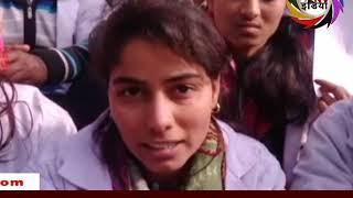 मेडिकल कॉलेज छात्राओं ने CM से लगाई मदद की गुहार