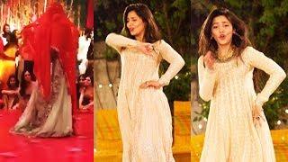 Mahira Khan Amazing Dance On UP Bihar Lootne In Pakistan