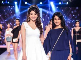 Gorgeous Urvashi Rautela RAMP WALK At Bombay Times Fashion Week 2018