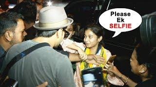 Injured Ranveer Singh Fulfills Fans Wish Of A SELFIE