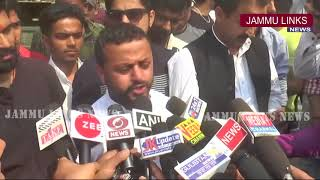 Congress holds protest against Municipal Department Udhampur for dumping garbage at Tawi side