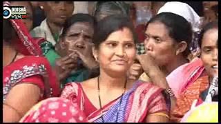 #Womens activist strike against Liquor in #Bargarh