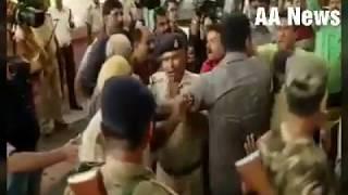 Video तेजस्वी यादव के निजी गार्डस ने की पत्रकारों से मारपीट, चुपचाप देखते रहे तेजवी