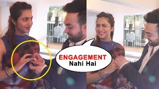 Arshi Khan ENGAGEMENT Video - Arshi Khan Funny Moment At An Event