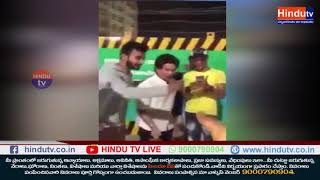 Master Blaster Sachin Playing Gully Cricket on Street of Mumbai // HINDU TV NEWS