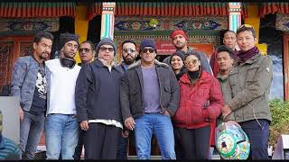 Salman Khan Visits Temple In Leh And Ladakh And Clicked Photos With Child Monks